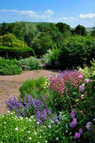 Paths and Borders in the Garden
